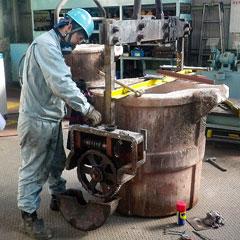 溶湯取鍋修理 1 | 株式会社タニキカン