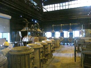 鋳造用金属溶融取鍋耐火炉材補修 | 株式会社 タニキカン 制作実績