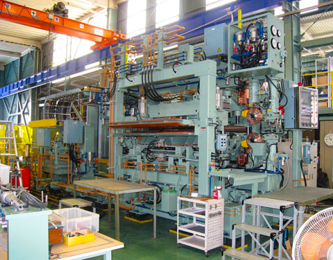 鉄鋼ライン向け マッシュシーム溶接機 | 株式会社 タニキカン 制作実績