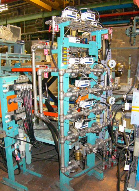 水圧試験装置 水圧試験機バルブユニット   株式会社 タニキカン 制作実績